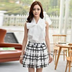 Flower Creek - Set: Sleeveless Tie-Neck Blouse + Check Skirt