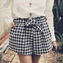 Tokyo Fashion - Tie-Waist Houndstooth Shorts