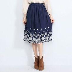 Tokyo Fashion - Embroidered Midi Skirt