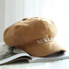 EVEN - Letter Embroidered Baker Boy Cap