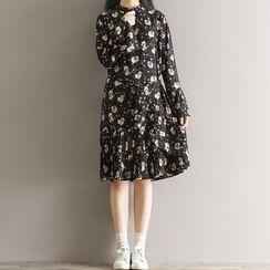 Clover Dream - Floral Print Long Sleeve Chiffon Dress