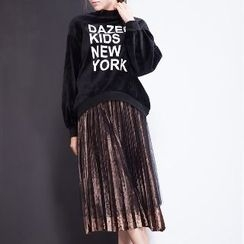 Halona - Long-Sleeve Lettering Top