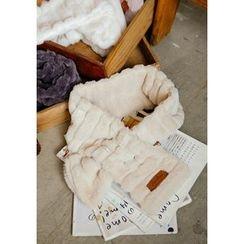GOROKE - Keyhole Tiered Faux-Fur Scarf