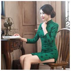 Janelle Qipao - 七分袖加厚羊毛呢梅花修身旗袍