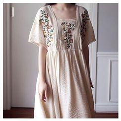 MASoeur - Short-Sleeve Embroidered Midi Dress