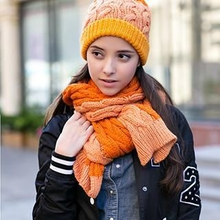 Thantrue - Pompom-Accent Cable-Knit Beanie