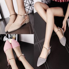 BAYO - Ankle Strap Pointy Flats