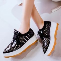 JY Shoes - Platform Perforated Oxfords