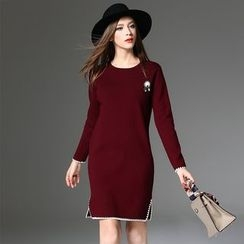 Y:Q - Contrast Trim Long Sleeve Knit Dress with Brooch