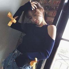 Ashlee - 露肩蝴蝶結針織上衣
