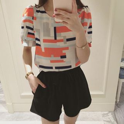 Q.C.T - Patterned Short-Sleeve Chiffon Blouse