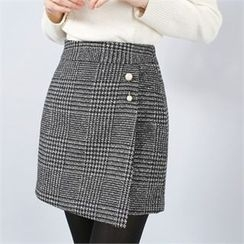 Styleberry - Inset Shorts Glen-Plaid Skirt with Brooch