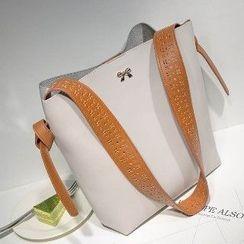Axixi - Cutout Cross Bag