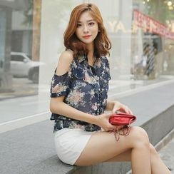 Envy Look - Cutout-Shoulder Floral Print Chiffon Blouse