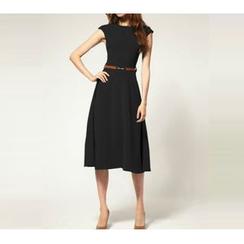 Noctiluca - Plain Cap Sleeve Dress