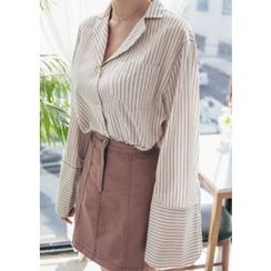 Chlo.D.Manon - Notched-Collar Wide-Cuff Pinstripe Shirt