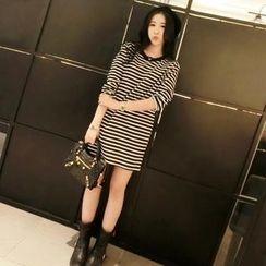 QZ Lady - 3/4-Sleeve Striped T-Shirt