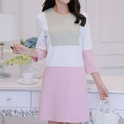 Q.C.T - Colour Block Knit Dress