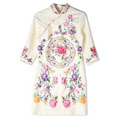 Romeo & Juliet - Floral Embroidered 3/4-Sleeve Cheongsam