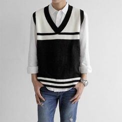 Seoul Homme - Contrast-Trim Sleeveless Knit Top