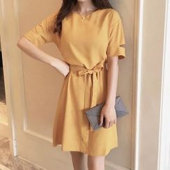 OTTI - Cutout Short-Sleeve Dress