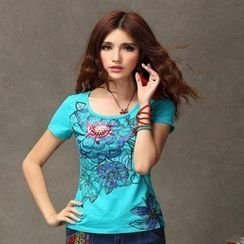 Floral Elegance - Short-Sleeve Floral Embellished T-Shirt