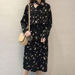 Cloud Nine - Print Long-Sleeve Dress