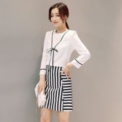Romantica - Set: Blouse + Striped Skirt