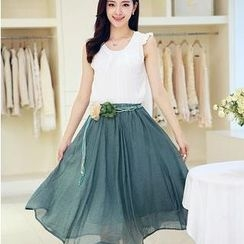 JK2 - Set: Sleeveless Ruffled  + Midi Skirt