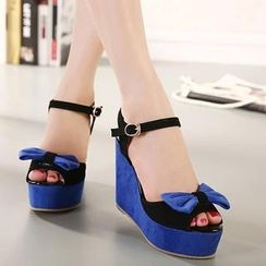 Mancienne - Bow-Accent Color-Block Sandals