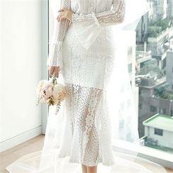 CHICLINE - Lace Skirt