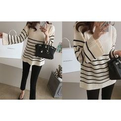 DAILY LOOK - Boat-Neck Striped Knit Top
