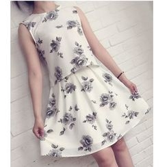 Pluvio - Set: Floral Print Tank Top + A-Line Skirt