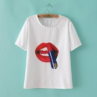 LULUS - Short-Sleeve Lips-Print T-Shirt