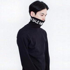 Mr. Cai - Lettering Turtle Neck Pullover
