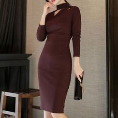 ISMY - 长袖镂空塑身连衣裙