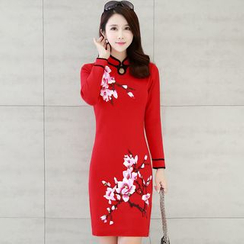 Lionhead - Embroidered Piped Knit Cheongsam