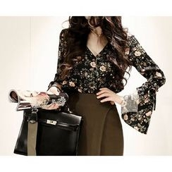 Marlangrouge - Bell-Sleeve Floral Blouse