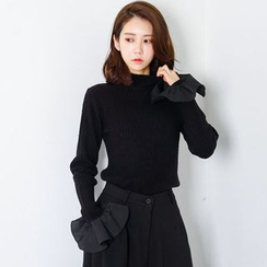 FASHION DIVA - Ruffle-Cuff Rib-Knit Top