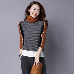 Romantica - Color Block Sleeve Striped Sweater