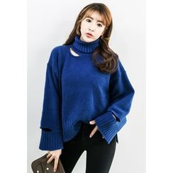 INSTYLEFIT - Turtle-Neck Cutout-Detail Sweater