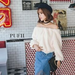 PUFII - Off-Shoulder Fleece Top