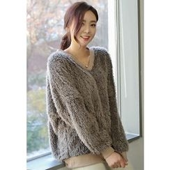 REDOPIN - V-Neck Furry-Knit Top