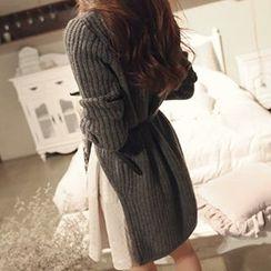 Jolly Club - Set: Dip-Back Sweater + Skirt