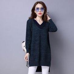 Romantica - V-Neck Knit Dress