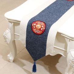 Sun East - 刺繡插色桌墊