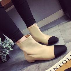 Chryse - 帽鞋头短靴
