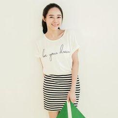 Tokyo Fashion - Short-Sleeve Printed Striped Dress