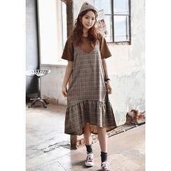 GOROKE - Sleeveless Ruffle-Hem Glen-Plaid Midi Dress