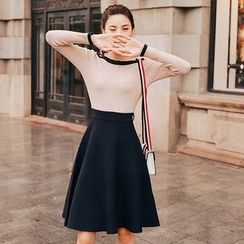 Lovi - Two-Tone A-Line Knit Dress